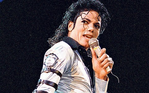 What song did Michael open up with for the Bad Tour in Japan 1987?