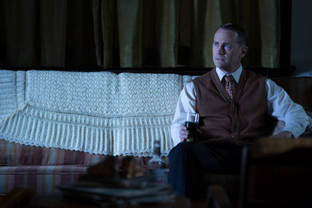 AHS Freak Show: What does Penny's dad do in order to punish her for dating Paul?