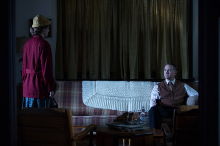 AHS Freak Show: What does Penny do to her father in order to get revenge for what he did to her?