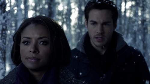"What does Bonnie do to Kai in the woods of the Prison World in ""Bird in a Gilded Cage"" (6x17)?"