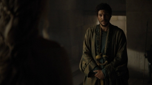 "What does Hizdahr zo Loraq ask Daenerys in ""The Wars To Come"" (5x01)?"