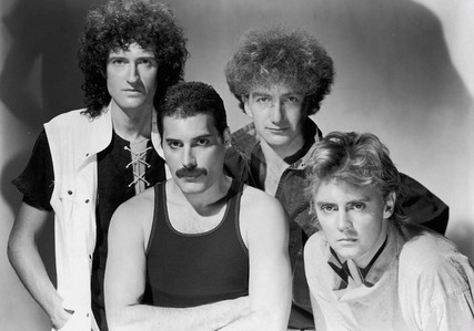 How many episodes used Queen's songs ?