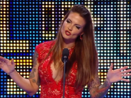 In what 년 was Lita inducted into the WWE Hall of Fame?