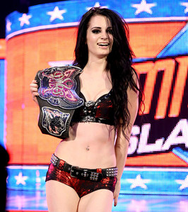 Who did Paige defeat for her 秒 美国职业摔跤 Divas Championship?