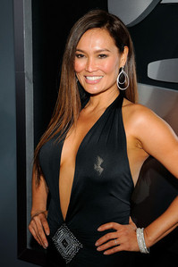 Tia Carrere voiced a Martian 퀸 for what cartoon series?