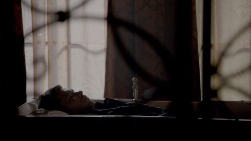 "Who daggered Klaus in ""When the Leeve Breaks"" (2x19)?"