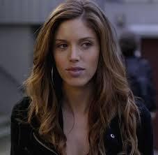 In season 1, how does Vicki die?