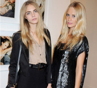 What is the name of Cara's sister?