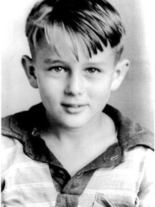 STARS Film WHEN THEY WERE YOUNG : Who is he ?