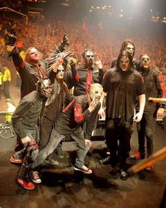 is (canada24) a fan of Slipknot (band)?