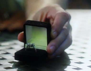 "Where does Oliver put Felicity's Engagement Ring at the end of 4x01 ""Green Arrow""?"