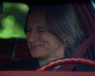 What Make Is Mr Gold's Car?