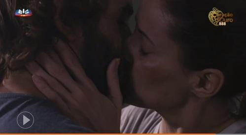 Where did Beatriz met Tiago?
