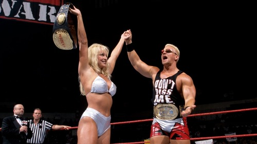 What moment led to Debra losing her WWE Women's Championship in June of 1999 to Ivory?
