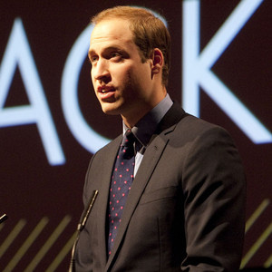Why did شارلٹ say that Prince William wasn't eligible for Mia to marry when they were looking through potential suitors?