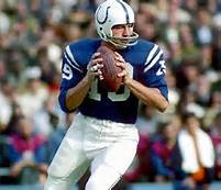On NFL Network's topo, início 10 Quarterbacks, what number is Johnny Unitas?