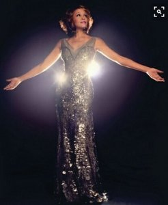 Whitney Houston inspired the 디자인 of which muse?