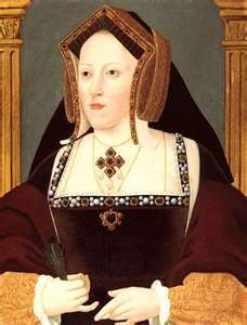 Which of queen Elizabeth II's ancestors finally granted Catherine of Aragon queen even though it was almost 500 years after her death?
