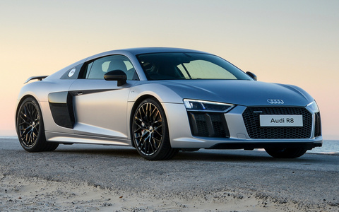 The Audi R8 V10 shared its chassis, engine and drivetrain with which other supercar?