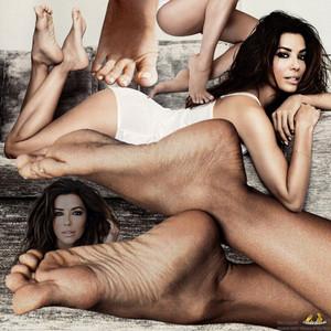 What is Eva Longoria's feet size?