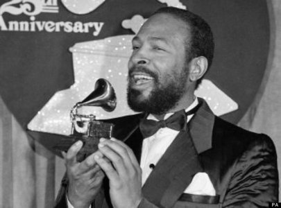 """Just a siku prior to his """"45th"""" birthday, Marvin Gaye was shot to death kwa his father in a domestic altercation back in 1984"""