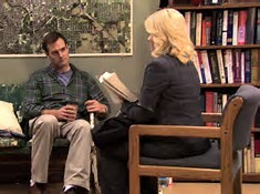 What book did Kelly Larson insist Leslie include in the Pawnee time capsule?