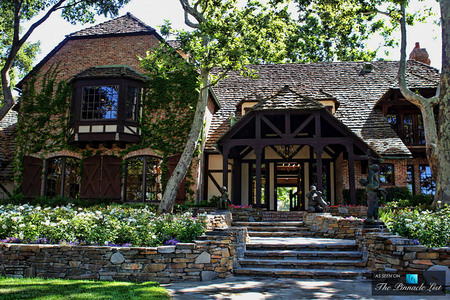 What year did Michael Jackson purchase Neverland Ranch