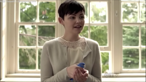 What color dress did Mary Margaret wear on her girls night out with Ruby and Ashley in season 1?