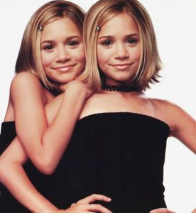 In what movie did Mary-Kate and Ashley have their first kiss?