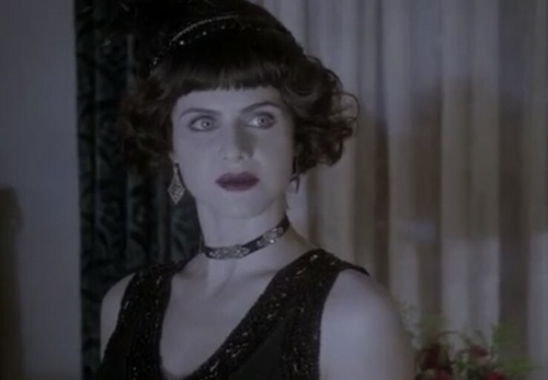 How many episodes of American Horror Story: Hotel did she guest звезда in?