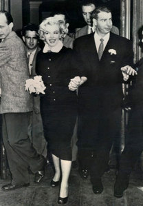 What año were Marilyn and Joe DiMaggio married