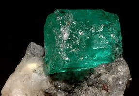 esmeralda is the traditional birthstone of...
