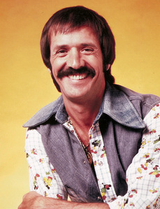 Entertainer/Politician, Sonny Bono, life was cut short in a স্কিইং accident in 1998