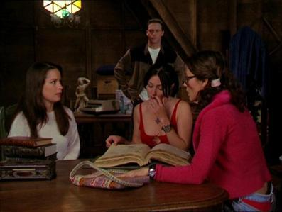 Which episode had Leo telling Piper that he was still working for The Charmed Ones?
