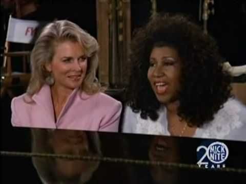 What jaar did Aretha make a guest appearance on Murphy Brown