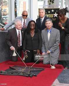 Ten years after his passing, Barry White received a étoile, star on the Hollywood Walk Of Fame in 2013
