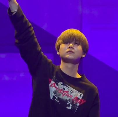 What song did he sing at Bangtan Boys inicial Party?