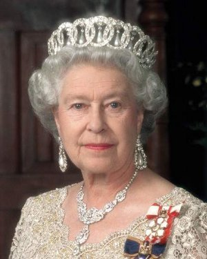 Who would eventually succeed Queen Elizabeth II on a takhta of England?