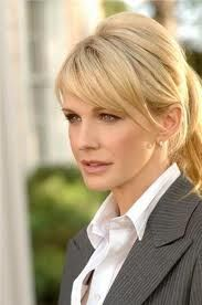 Kathryn Morris is best known for portraying Detective Lilly Rush on a 인기 TV series/show. What is the 제목 of that series/show?