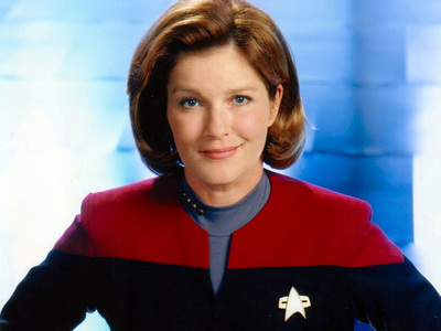 What was the exact first name of Captain Janeway from étoile, star Trek Voyager?