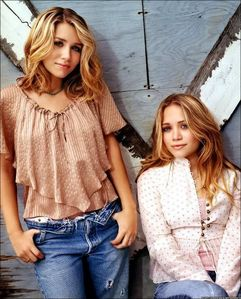 Where were Mary-Kate and Ashley born?