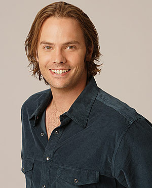 Finish this sentence. The name of a lead male character on a once 流行的 comedy-drama TV series/show portrayed 由 Barry Watson, also the full title, was What About ...
