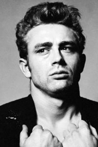 What 년 did James Dean pass away?