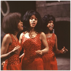 tu Can't Hurry amor was a #1 hit for The Supremes in 1966