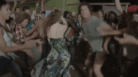 Who is this man canto and dancing with Shakira?