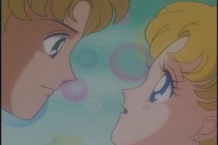 True atau false : Serena and Andrew really Ciuman in this scene ?