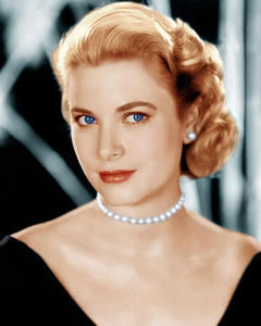 Yes or No question. Grace Kelly, once a film/movie star, was a real-life Princess.