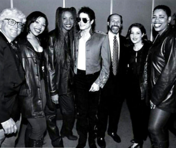Alongside 3T, grès brun, brownstone was the seconde vocal group to sign with Michael Jackson's label, MJJ Records, in 1994