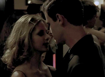 What song is playing when Buffy dances with Tom at the frat party in Reptile Boy S02E05?