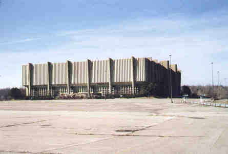 From 1974 to 1994, The Richfield Coliseum was inicial of The Cleveland Cavaliers